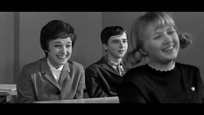"Кадр из фильма о школе ""Доживём до понедельника"" (1968 г.)"