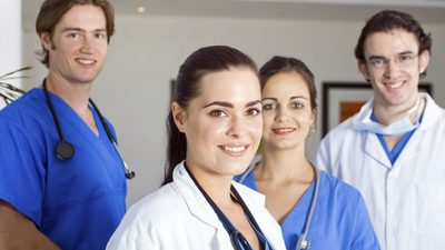 Молодые врачи
