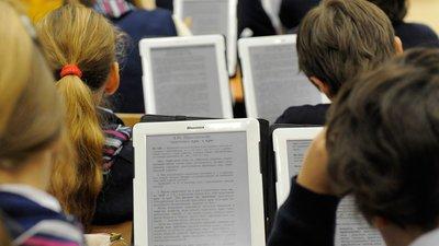 ЛДПР: ученики школ должны быть обеспечены планшетными компьютерами