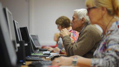 Правительство РФ утвердило программу профобучения граждан предпенсионного возраста
