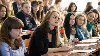 Более 50% выпускников колледжей трёх регионов России считают ненужным получать высшее образование