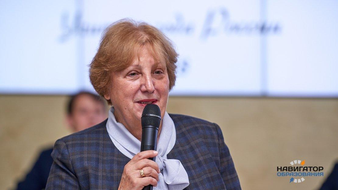 Людмила Дудова -заместитель председателя ОП РФ по развитию образования и науки