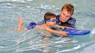 Ростовские парламентарии предложили дополнить программу начальной школы плаванием