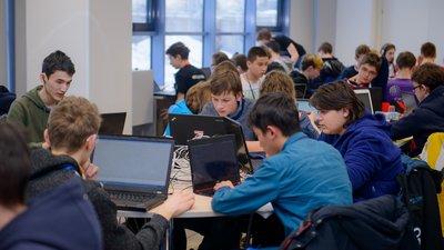 Студенты первых двух курсов Физтех-школы МФТИ будут получать стипендию от «Яндекс»
