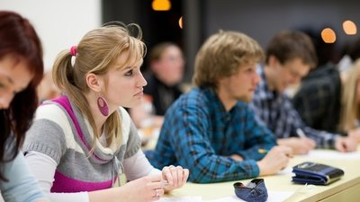 Рособрнадзор поддержал инициативу введения электронных дипломов об окончании вузов