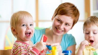 Минпросвещения РФ подготовит курсы для родителей дошкольников, получающих образование в семье