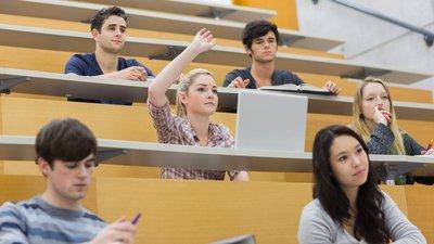 68% россиян считают, что для успешной карьеры высшее образование получать необязательно