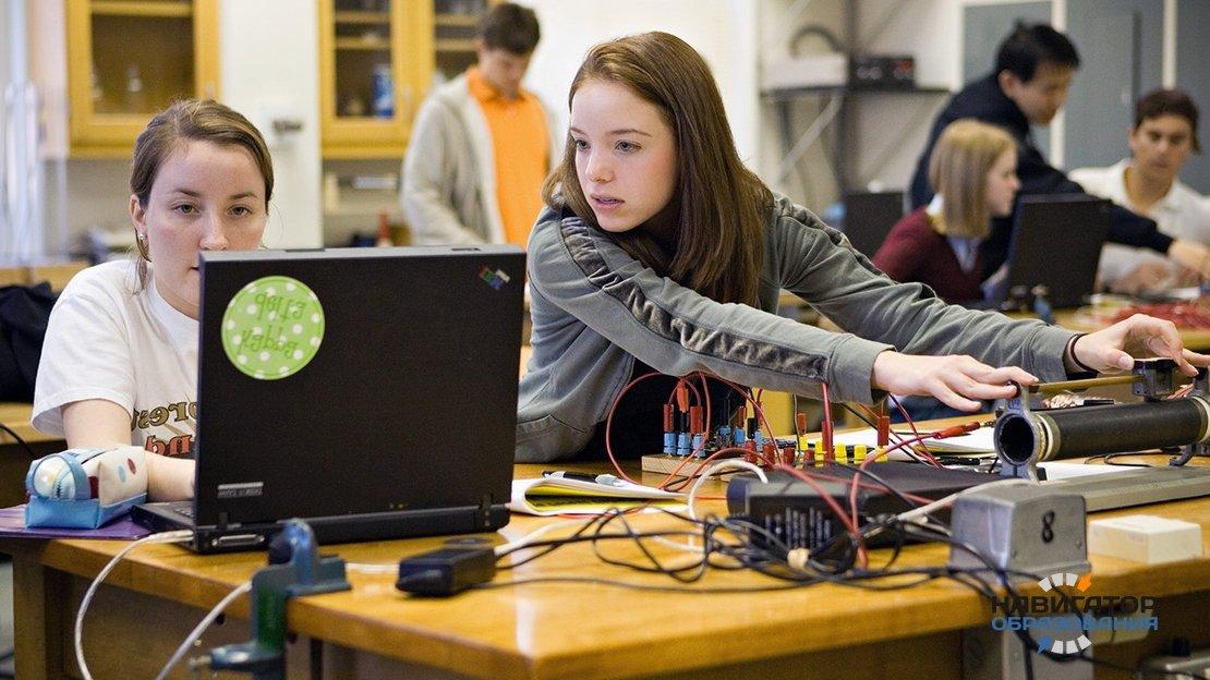 В 2030 году в школах РФ могут начать преподавать киберспорт и web-дизайн