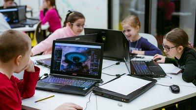 Молодые учителя отметили основные риски, связанные с использованием цифровых технологий в обучении