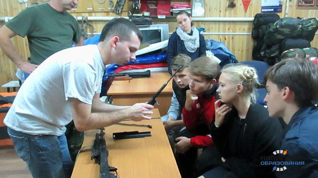 Депутаты предлагают вернуть в школы начальную военную подготовку