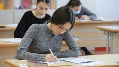 В планах Рособрнадзора не объявлять заранее тематические направления для итогового сочинения