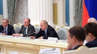 В. Путин дал поручение подготовить проект закона о контроле за грамотностью в РФ