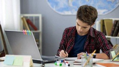 ОНФ: почти 60% подростков хотели бы постоянно учиться дистанционно