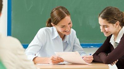 В. Путин подписал закон, дающий право студентам преподавать в школах