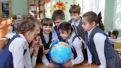 Минпромторг РФ планирует в ноябре утвердить национальный стандарт школьной формы