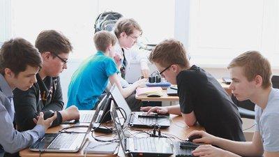 Ученики российских школ смогут получить грант за достижения в области информатики и математики