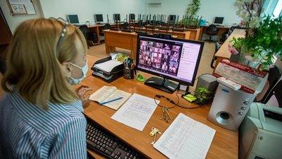 В Рособрнадзоре рассказали о порядке перехода школ на дистанционное обучение