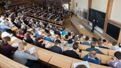 Ректоры вузов РФ предложили ввести отсрочку оплаты обучения студентов