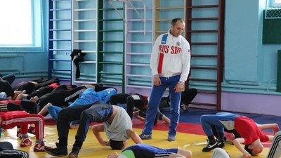 Президент РФ дал поручение признать спортивных тренеров педагогами