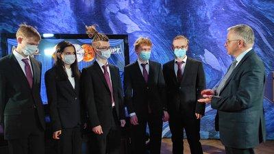 Команда школьников России завоевала 5 золотых медалей на Международной олимпиаде по физике