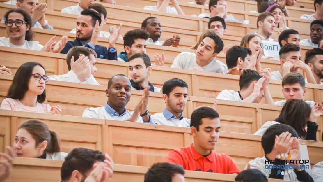 Студентов-иностранцев, ставших победителями олимпиады, бесплатно зачислят в вузы РФ