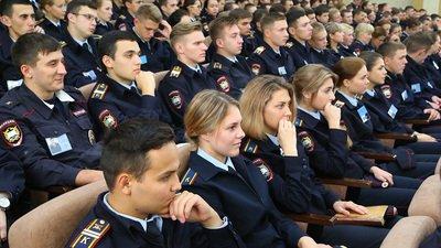 Дети полицейских и росгвардейцев получат право на приоритетное зачисление в ведомственные вузы