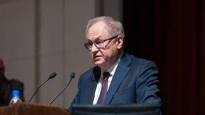 В РАН предложили ввести двуязычный ЕГЭ, включающий вопросы на национальных языках
