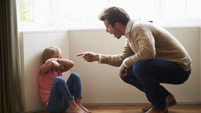В РФ намерены повысить в десять раз штрафы за нарушение обязанностей по воспитанию детей