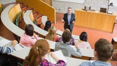 В РФ намерены ввести новый профессиональный праздник – День преподавателя высшей школы