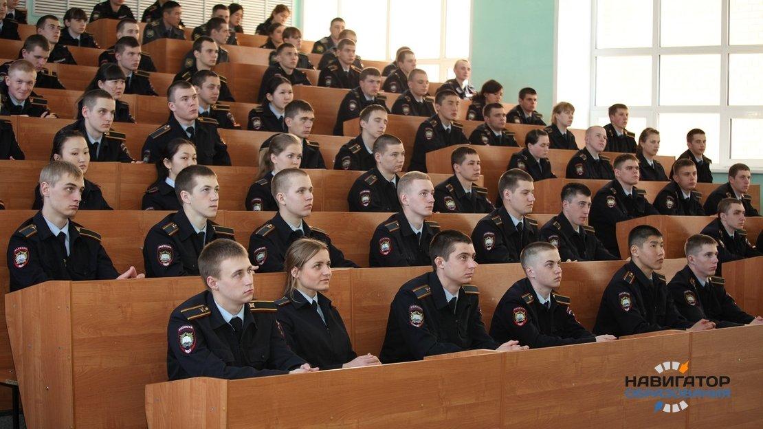 Президент РФ подписал закон, позволяющий зачислять детей силовиков в вузы в приоритетном порядке