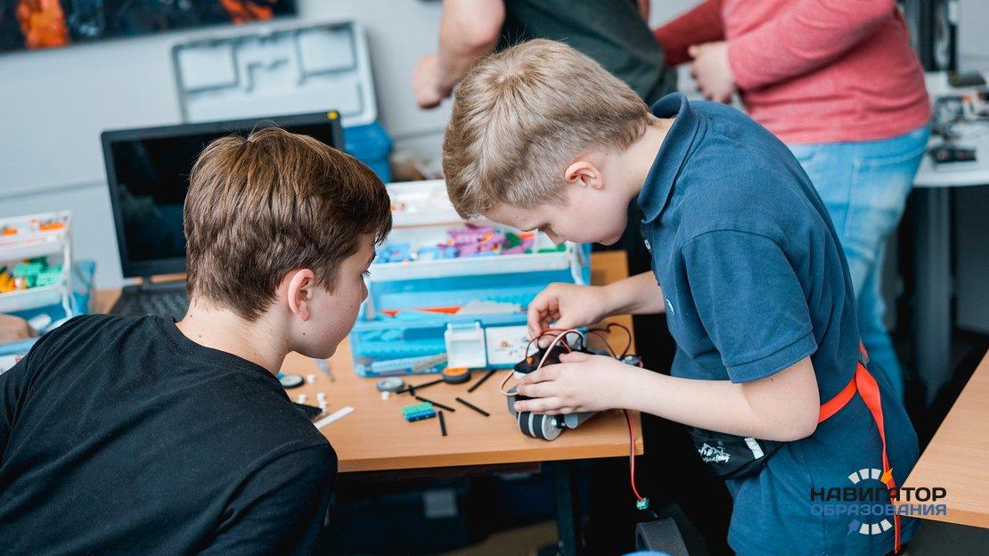 В детских садах и младшей школе РФ детей будут обучать цифровым технологиям