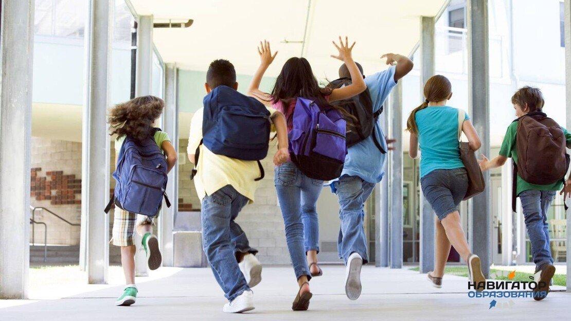 Вузам и школах РФ рекомендовано уйти на каникулы с 1 по 10 мая