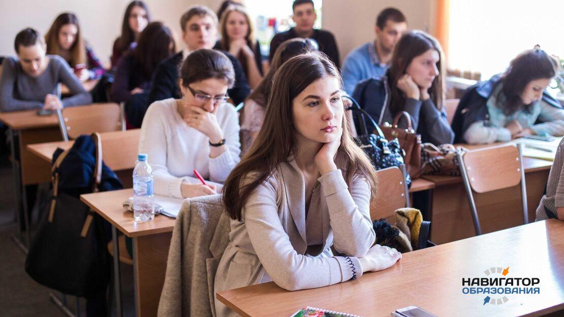 О выплатах кураторам групп в колледжах и стоимости обучения в вузах РФ