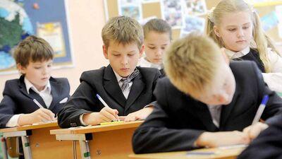 Об отмене повторного года обучения в школе и продлении ограничений при очном обучении в пандемию
