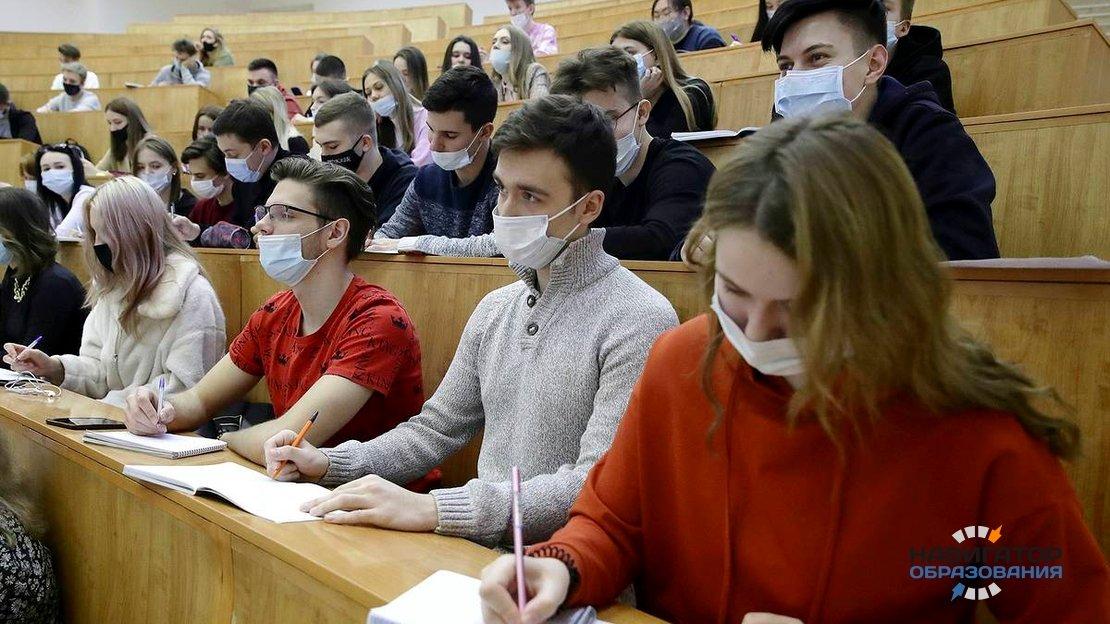 Утверждено расписание всероссийских проверочных работ для колледжей и техникумов