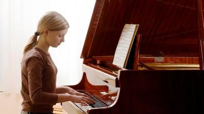 Занятия музыкой помогают в изучении языков