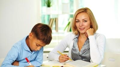 Основная масса родителей не нанимают репетиторов и не приветствуют домашнее обучение