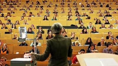 В профессионализме преподавателей уверены только 30% студентов