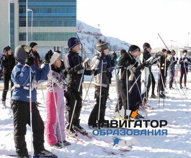 От школьников потребовали приходить на занятия со своими лыжами