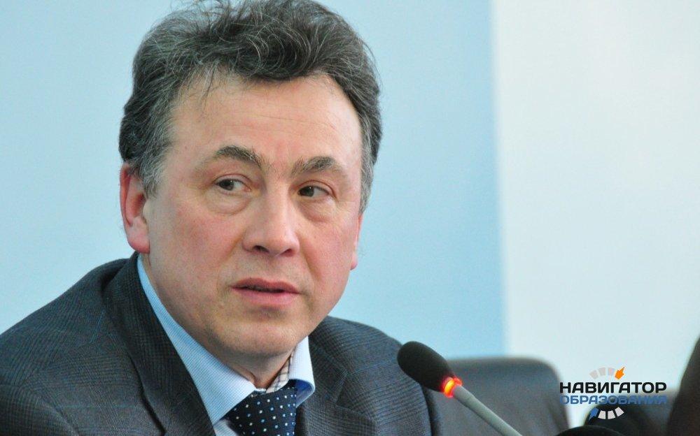 Медведев назначил Вениамина Каганова заместителем министра образования