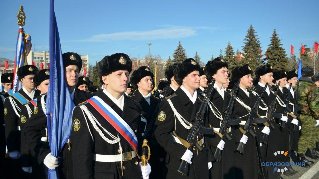 Сегодня в России отмечают 70-летие создания суворовских училищ