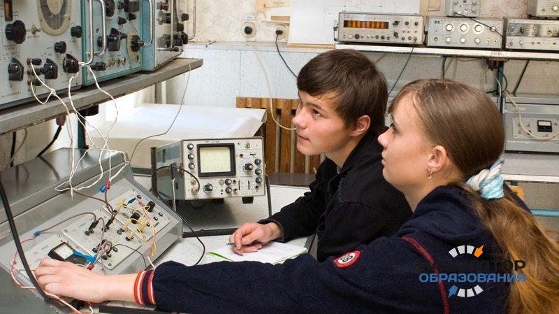 Роскосмос и Минобрнауки будут совместно готовить кадры для космической отрасли
