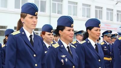 В военных вузах Санкт-Петербурга отметили огромный приток девушек