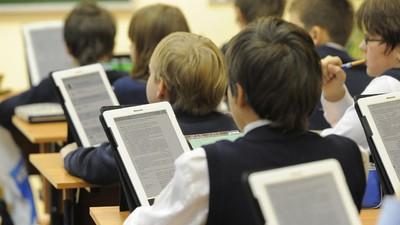 Минобрнауки разрешит школам выбирать учебники самостоятельно