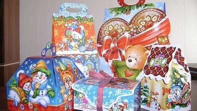 Роспотребнадзор проводит проверку процесса подготовки детских подарочных наборов