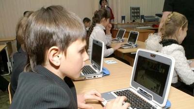 Минобрнауки России не разделяет идеи П. Астахова о запрете гаджетов в школах
