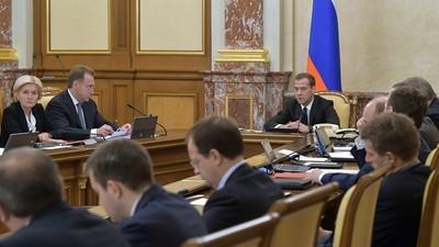 Д. Медведев пояснил цели предлагаемых поправок в закон об образовании