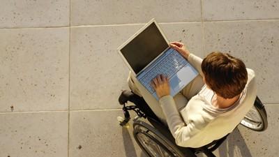 Минобрнауки РФ призвали установить базовые вузы для обучения инвалидов