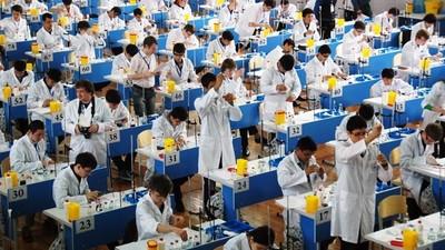 Москва принимает международную олимпиаду будущих химиков