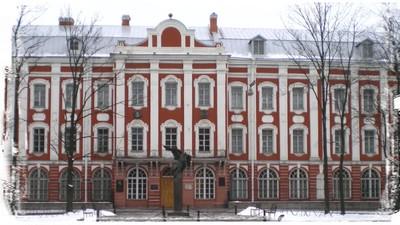 Президент наделил МГУ и СПбГУ правом присуждать учёные степени